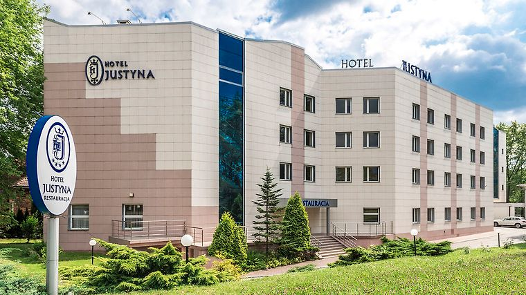 Hotel Justyna Exterior