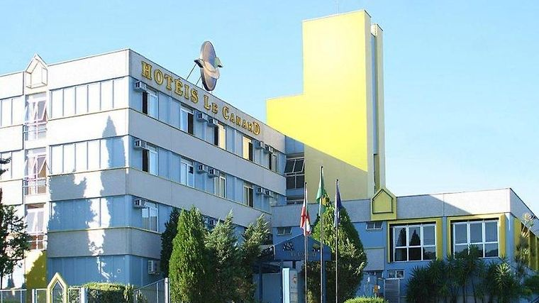 Le Canard Joinville Exterior