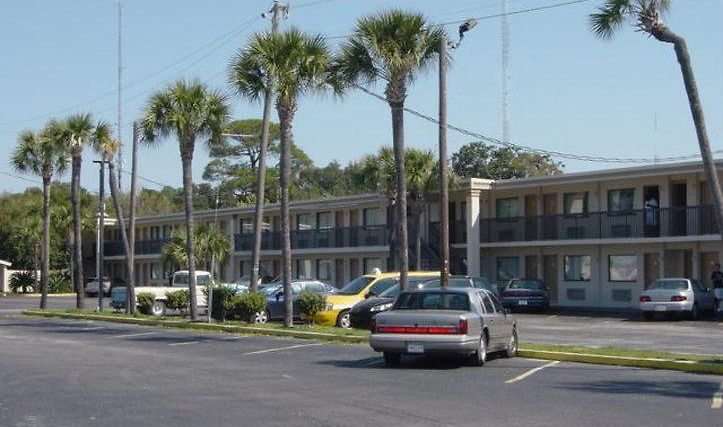 Holiday Lodge & Suites - Fort Walton Beach Exterior