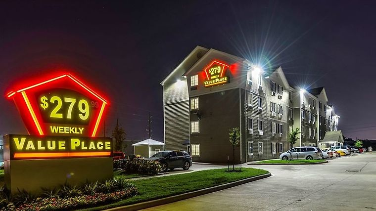 Value Place Houston West Chase Exterior Exterior Overall Night