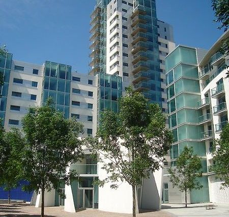 MARLIN APARTMENTS EMPIRE SQUARE LONDON (United Kingdom) - from US ...