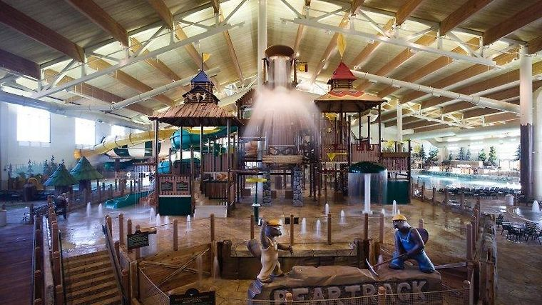 Great Wolf Lodge Grand Mound Exterior