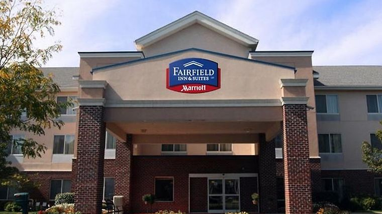 Fairfield Inn & Suites Columbus East Exterior