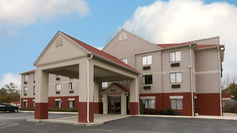 Red Roof Inn & Suites Augusta West photos Exterior