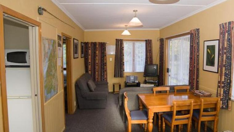 Accommodation Fiordland Self Contained Cottages Exterior