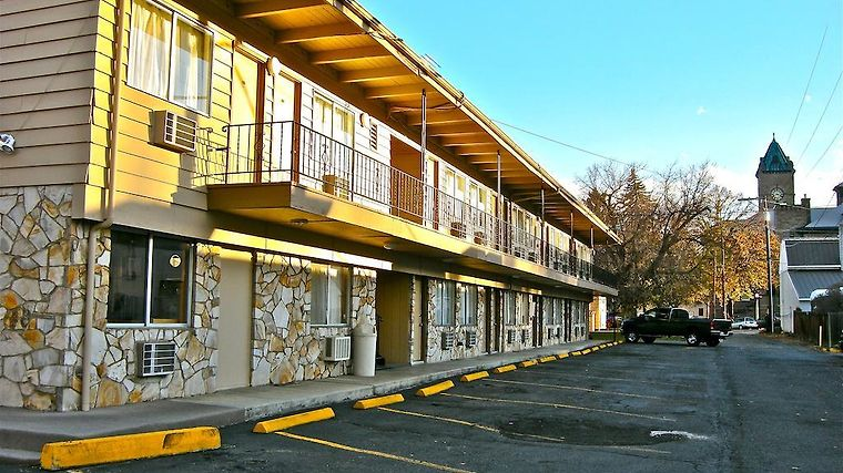 Knights Inn Baker City Exterior Hotel information