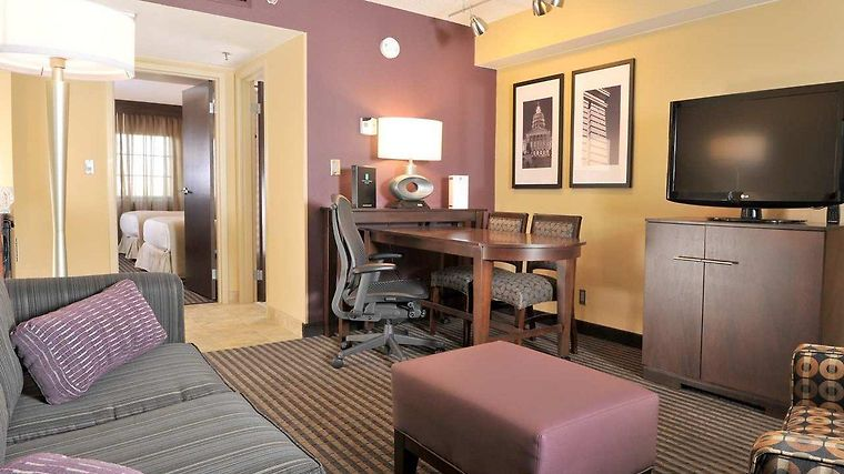 Embassy Suites Des Moines - On The River Room