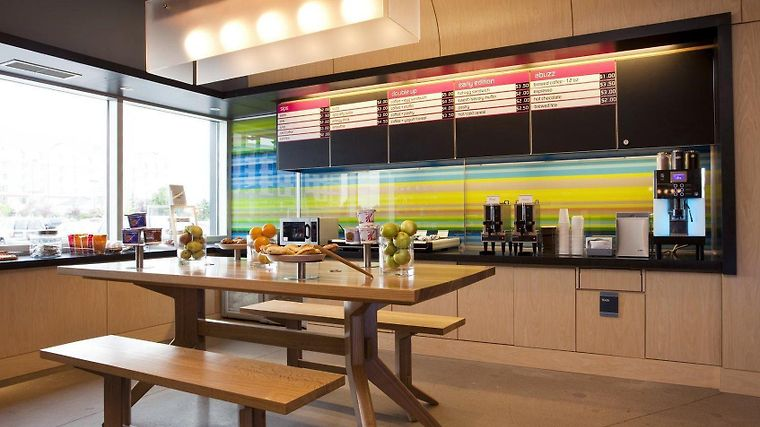 Aloft Denver International Airport Restaurant