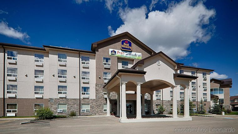 Best Western Rocky Mountain House Inn & Suites Exterior