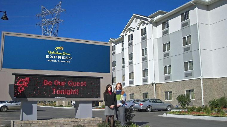 Holiday Inn Express Hotel Suites Jenks Ok 2 United States From Us 95 Booked