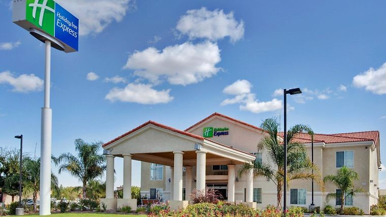 Holiday Inn Express Delano Hwy 99 Exterior
