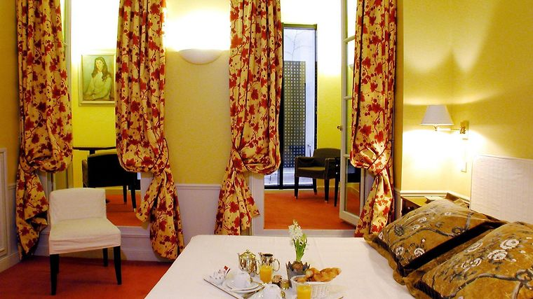 Hotel Le Lavoisier Room