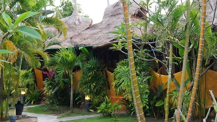 B52 Beach Resort Exterior