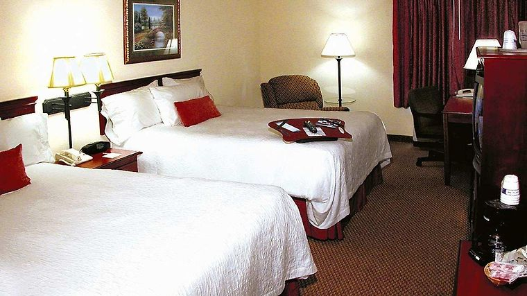 Hampton Inn Biloxi Room