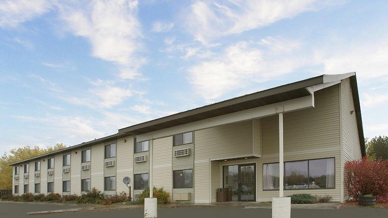 Americas Best Value Inn Finlayson Exterior