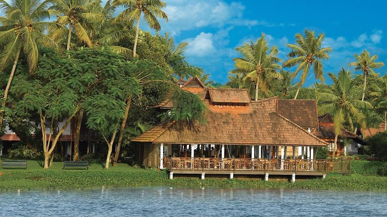 Kumarakom Lake Resort Exterior