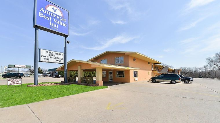 Americas Best Value Inn Ponca City Exterior