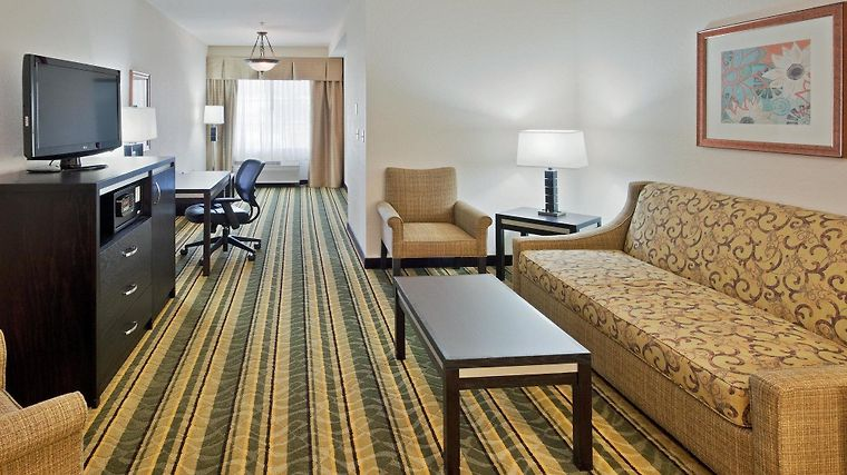 Holiday Inn Express & Suites B Room