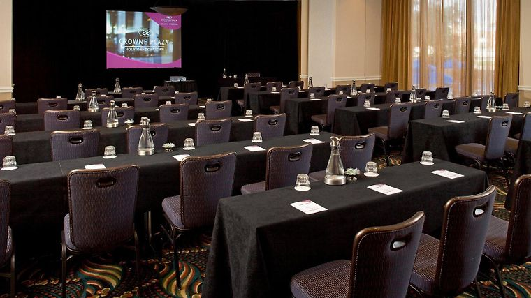 Crowne Plaza Houston Downtown Business