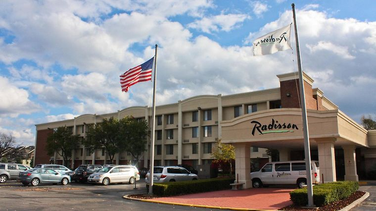 Radisson Hotel Rochester Airp Exterior