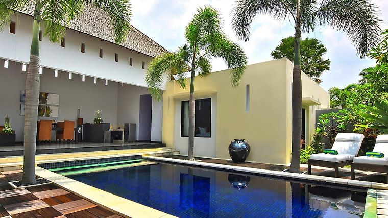 Seminyak Suite & Private Villa Exterior