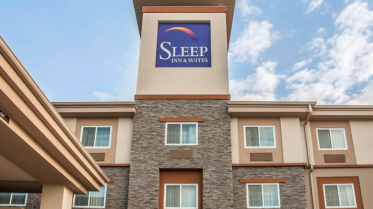 Sleep Inn & Suites Bismarck Exterior