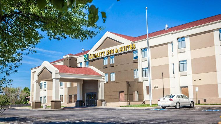 Best Western Plus Lees Summit Hotel & Suites Exterior