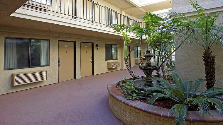 Americas Best Value Laguna Inn & Suites Exterior