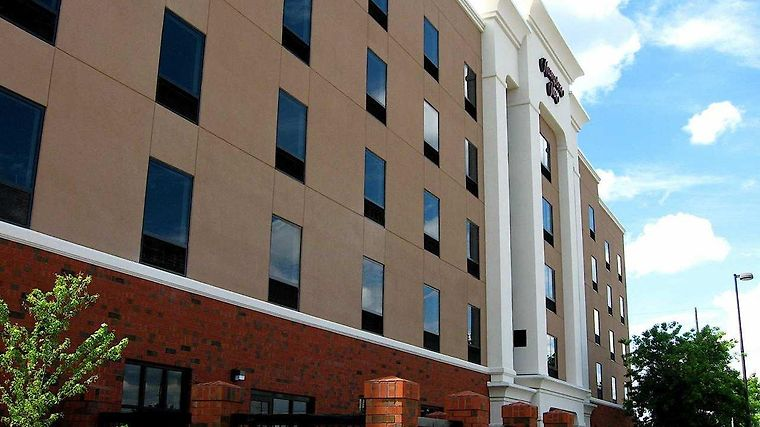 Hampton Inn Greenville Exterior