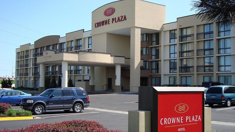 Crowne Plaza Kansas City - Ove Exterior