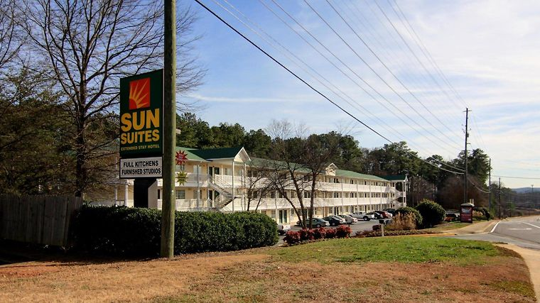 Sun Suites Kennesaw Atlanta North I-75 Exterior