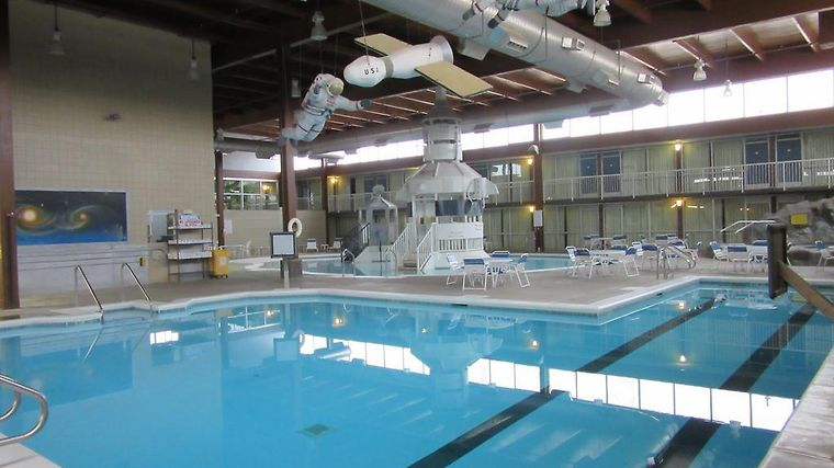 Atrium Hotel And Conference Center Hutchinson Ks 2 United States From Us 67 Booked