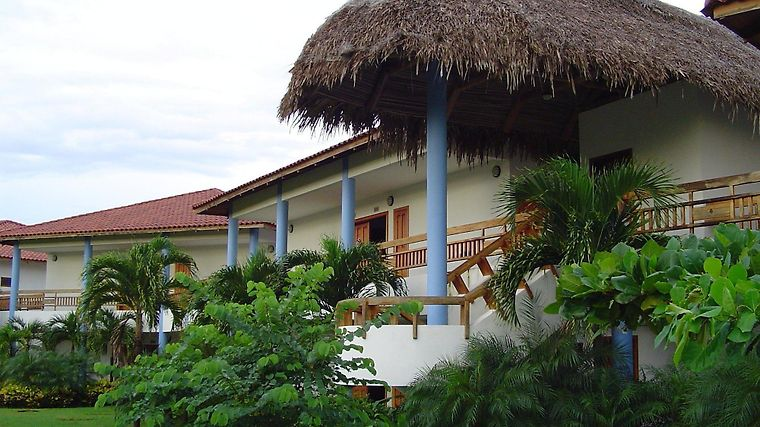 Ecoplaya Beach Resort Exterior