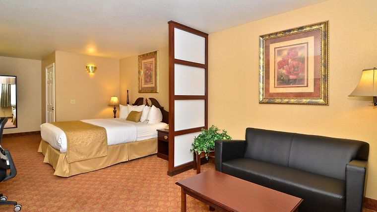 Best Western Fallon Inn & Suites Room
