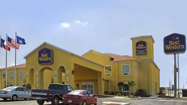 Baymont Inn & Suites Pearsall Exterior