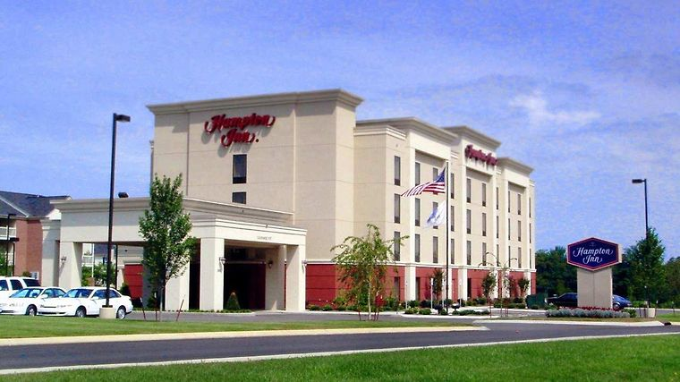 Hampton Inn Gallatin Exterior