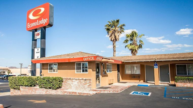 Econo Lodge On Historic Route 66 Exterior