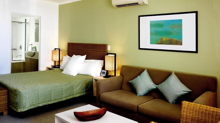 Mantra Ettalong Beach Room