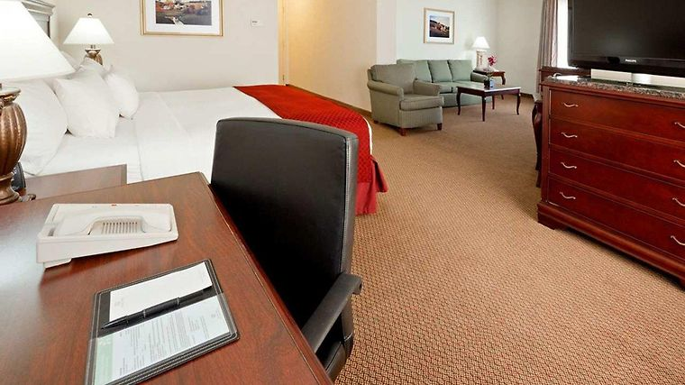 Doubletree By Hilton Hotel Boston - Milford Room