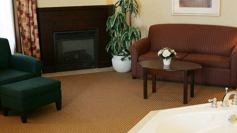 Homewood Suites By Hilton Toronto-Mississauga Room