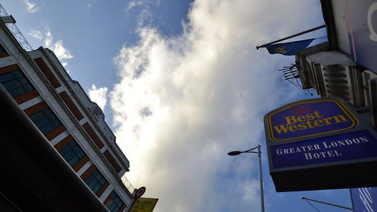 Best Western Greater London Exterior