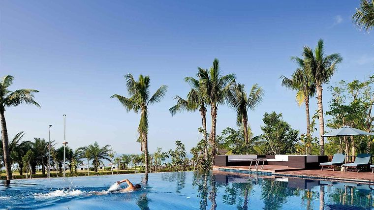 Pullman Oceanview Sanya Bay Resort & Spa Exterior