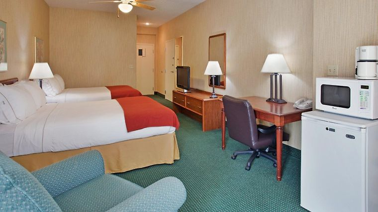 Holiday Inn Express West Plains Room