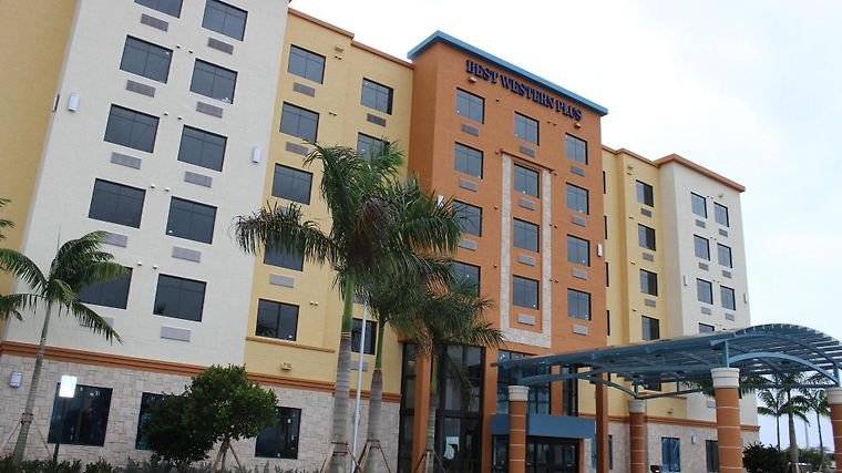 Best Western Plus Kendall Airport Hotel & Suites Exterior
