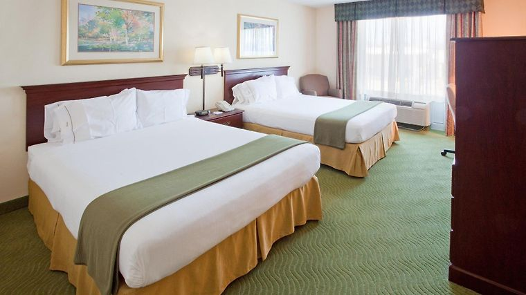 Holiday Inn Express & Suites I-26 & Us 29 At Westgate Mall Room