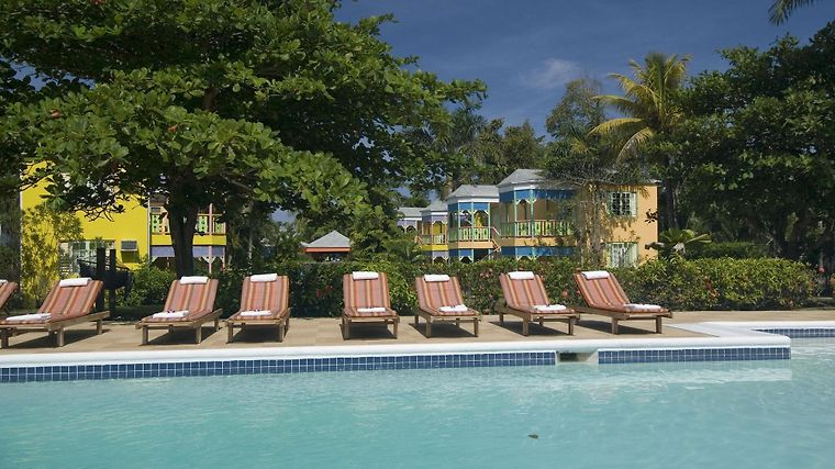 Grand Pineapple Beach Negril Facilities
