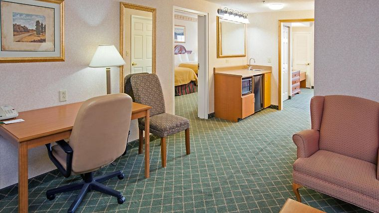 Country Inn & Suites By Carlson, Findlay, Oh Room