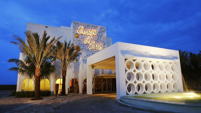 Costa D'Este Beach Resort Exterior