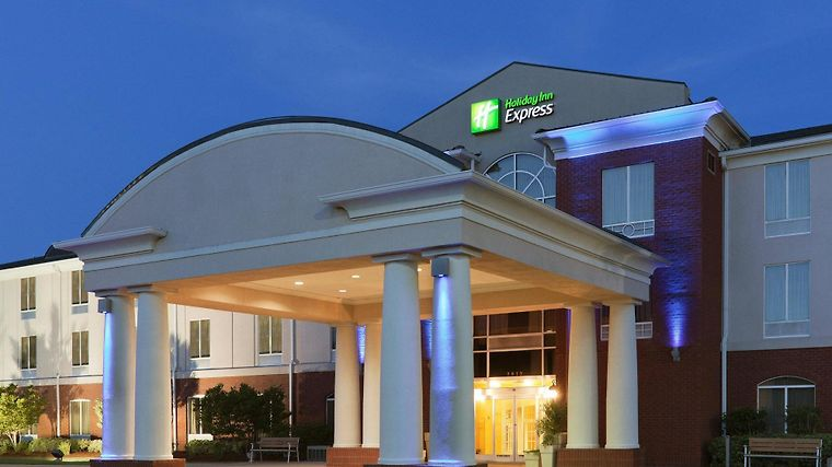Holiday Inn Express Hotel & Suites Auburn University Area Exterior