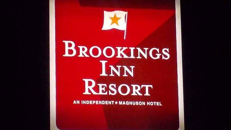 Brookings Inn Resort Exterior